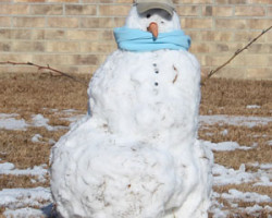 Snowman-with-blue-scarf-in-Timberland