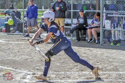 Lady Stingers defeat conference rivals