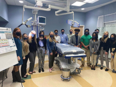 Biomedical students present project finds at McLeod