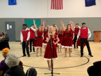 Choraliers perform for seniors