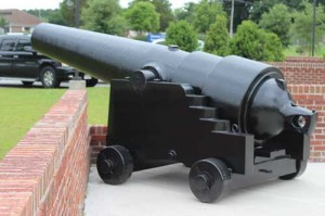 Confederate cannons installed at vet center