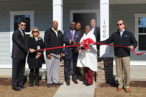 City cuts ribbon on new Old Carver Station homes