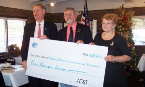 AT&T Pioneers make $5,000 donation to Veterans Resource Center