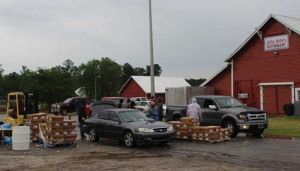 Chicken sale has customers lined up at Pee Dee State Farmers Market