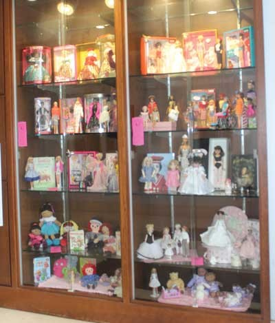 Doll show celebrates Barbie's 60th anniversary