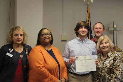 DAR chapter recognizes essay contest winners