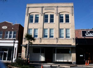 Historic downtown building back in business