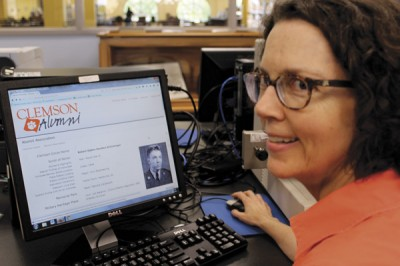 Librarian helps search for soldier's family