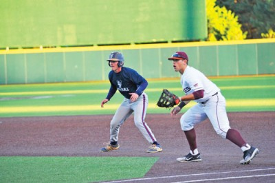 Tech Stingers baseball team scrimmages Virginia Tech Hokies
