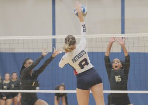 "FMU Volleyball hosted ""Dig Pink"" match for breast cancer"
