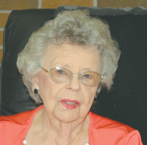 90-year-old bookkeeper has no plans to retire
